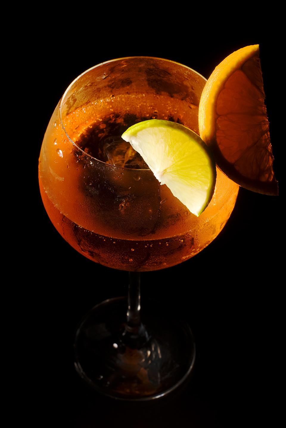 Aperol Sprizz im Weinglas