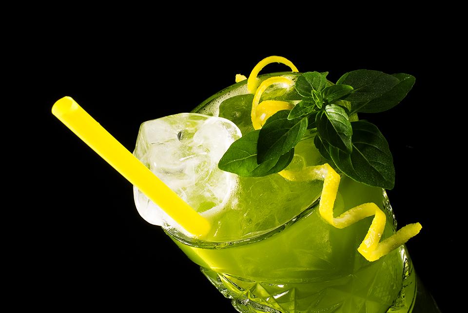 Gin Basil Smash von schräg oben